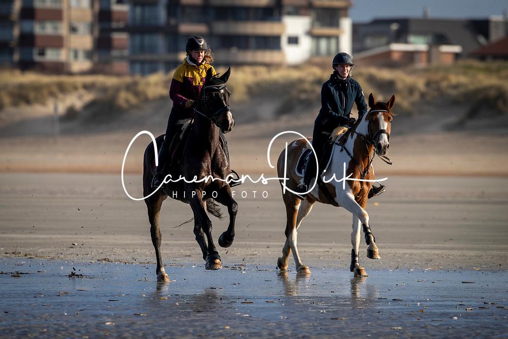 Strandwandeling Oostduinkerke<br /> Oostduinkerke 2020<br /> © Hippo Foto - Dirk Caremans<br />  19/01/2020