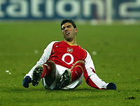 Fotball<br /> Champions League 2004/05<br /> Bayern München v Arsenal<br /> 22. febuar 2005<br /> Foto: Digitalsport<br /> NORWAY ONLY<br /> Jose Antonio Reyes is the one being slapped this time as Arsenal lose badly in Germany