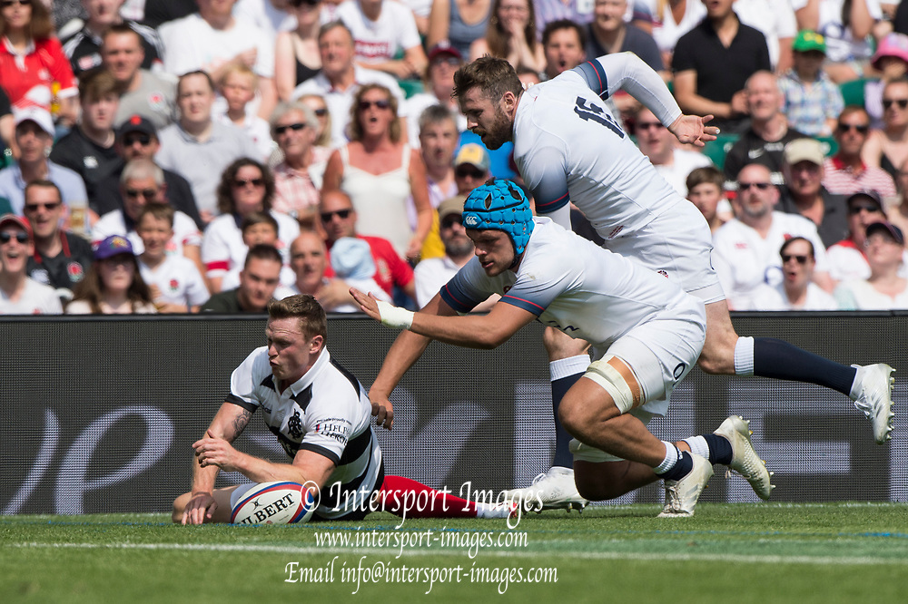 Twickenham, England, 27th May 2018. Quilter Cup, Baa Baa's Chris ASHTON, touches down, Blue Cap, Zack MERCER and Elliot DALY, during the Rugby, England vs Barbarians,Rugby Match, RFU. Stadium, Twickenham. UK.  <br /> <br /> © Peter Spurrier/Alamy Live News