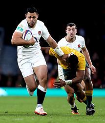 Ben Te'o of England runs with the ball - Mandatory by-line: Robbie Stephenson/JMP - 03/12/2016 - RUGBY - Twickenham - London, England - England v Australia - Old Mutual Wealth Series