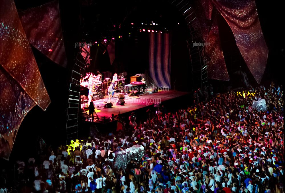 The Grateful Dead Live in Concert at Giants Stadium June 17, 1991. Full Set, Lights and Stage Design Capture Image.