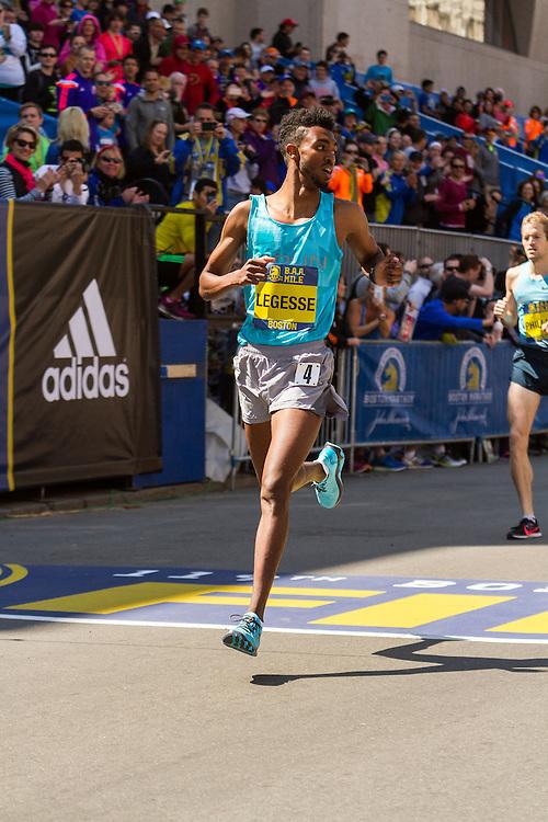 Boston Marathon: BAA 5K road race, Invitational Mens Mile, Frezer Legesse