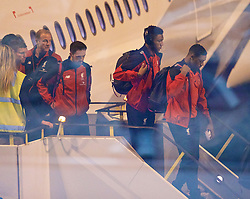 ADELAIDE, AUSTRALIA - Saturday, July 18, 2015: Liverpool's Danny Ings, Joe Gomez and Jordon Ibe step off the plane as the squad arrive at Adelaide Airport ahead of a preseason friendly match against Adelaide United on day six of the club's preseason tour. (Pic by David Rawcliffe/Propaganda)