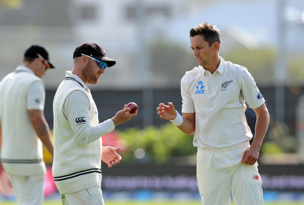 New Zealand's Brendon McCullum, left, gives Trent Boult the new ball against Sri Lanka on day two of the first International Cricket Test, University Cricket Oval, Dunedin, New Zealand, Friday, December 11, 2015. Credit:SNPA / Ross Setford
