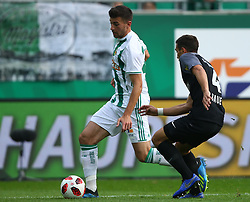 28.10.2018, Allianz Stadion, Wien, AUT, 1. FBL, SK Rapid Wien vs FC Flyeralarm Admira, 12. Runde, im Bild Andrija Pavlovic (SK Rapid Wien) und Sebastian Bauer (FC Flyeralarm Admira) // during Austrian Football Bundesliga Match, 12th Round, between SK Rapid Vienna and FC Flyeralarm Admira at the Allianz Arena, Vienna, Austria on 2018/10/28. EXPA Pictures © 2018, PhotoCredit: EXPA/ Thomas Haumer