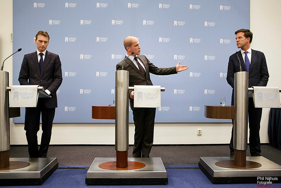 DEN HAAG - Halbe Zijlstra, Diederik Samsom en Premier Mark Rutte geven een persconferentie over het aanpassen van het regeerakkoord. ANP PHIL NIJHUIS