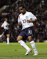 Photo: Paul Thomas.<br /> England v Hungary. International Friendly. 30/05/2006.<br /> <br /> Theo Walcott of England can't believe his shot at goal just misses.
