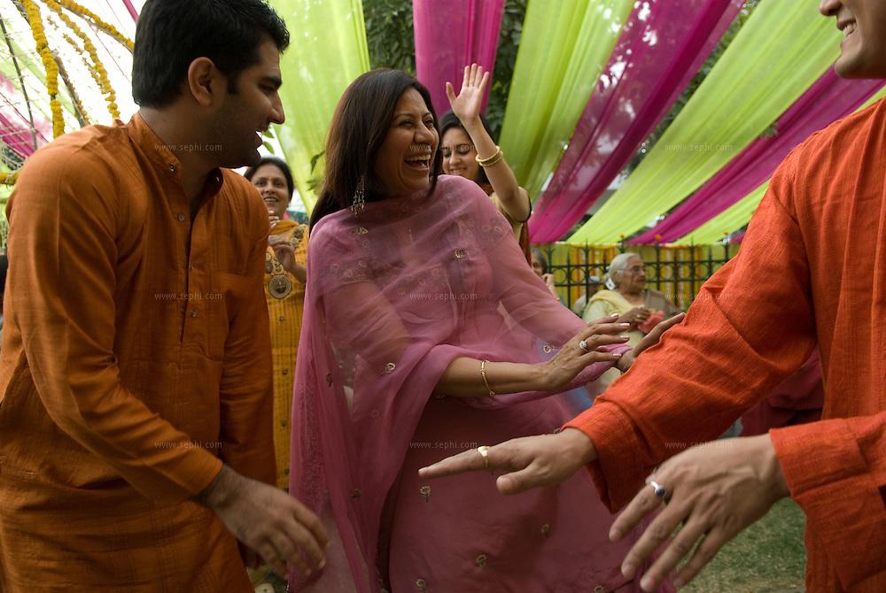 A Hindu Punjabi wedding in New Delhi, India 2008