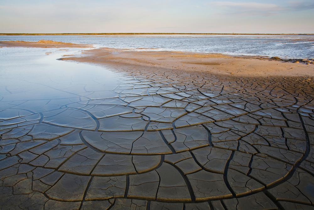 Drought patterns at lagoon Etang du Fangassier, Camargue, France