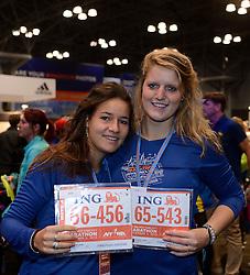01-01-2013 ALGEMEEN: BVDGF NY MARATHON: NEW YORK <br /> Lange rijen in het Health and Fitness EXPO center voor het ophalen van de startnummers / Jessie en Tessel<br /> ©2013-WWW.FOTOHOOGENDOORN.NL