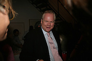 Adam Boulton, Party hosted by Sir Richard and Lady Ruth Rogers at their house in Chelsea  to celebrate the extraordinary achievement of completing this year's Pavilion  by Olafur Eliasson and Kjetil Thorsenat at the Serpentine.  13 September 2007. -DO NOT ARCHIVE-© Copyright Photograph by Dafydd Jones. 248 Clapham Rd. London SW9 0PZ. Tel 0207 820 0771. www.dafjones.com.
