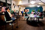 Koningin Maxima houdt een digitale toespraak bij de online platformbijeenkomst '#Financieelkwetsbaar in een (nieuwe) economische werkelijkheid'.<br /> Deze interactieve editie van de jaarlijkse bijeenkomst van platform Wijzer in geldzaken is voor professionals in de financiële sector en het maatschappelijk werkveld.