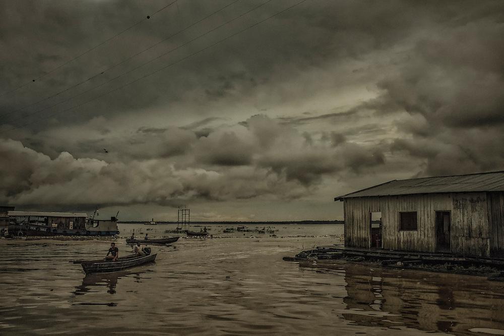 Brazil, Amazonas, rio Negro, Manaus. Entree de la favela Sao Raimundo.