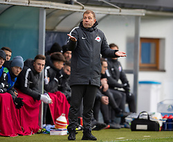 GRÖDIG, AUSTRIA - Tuesday, December 10, 2019: FC Salzburg's head coach Frank Kramer during the final UEFA Youth League Group E match between FC Salzburg and Liverpool FC at the Untersberg-Arena. (Pic by David Rawcliffe/Propaganda)