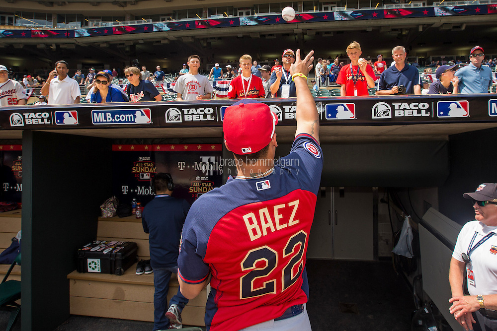 MINNEAPOLIS, MN- JULY 13: Javier Baez #22 of the World Team during the SiriusXM All-Star Futures Game at Target Field on July 13, 2014 in Minneapolis, Minnesota. (Photo by Brace Hemmelgarn) *** Local Caption *** Javier Baez