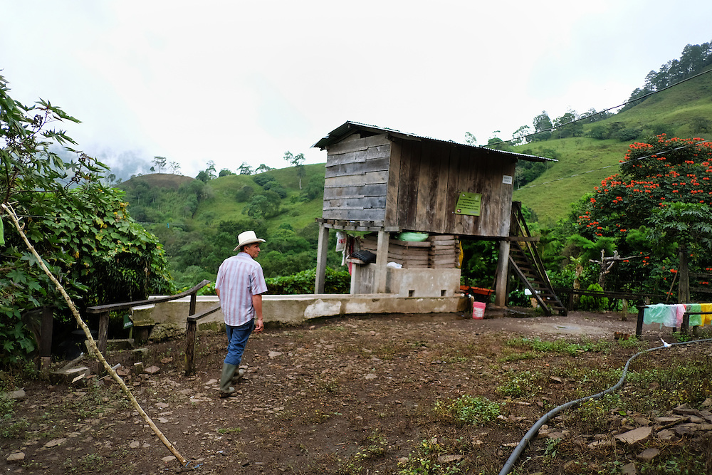 Community El Volcan de Yal&iacute;, Yal&iacute;, Jinotega - Nicaragua 10-2014<br /> Photography by Aaron Sosa<br /> <br /> Cooperative El Polo Project<br /> Farm La Misericordia<br /> Mr. Rigoberto Mendoza<br /> <br /> In this farm is one of the Biodigestores, harvest time when the first coffee bean washing water is taken as the ferment produces gas that is needed for use in the kitchen. The gas can be obtained by fermentation of animal manure.