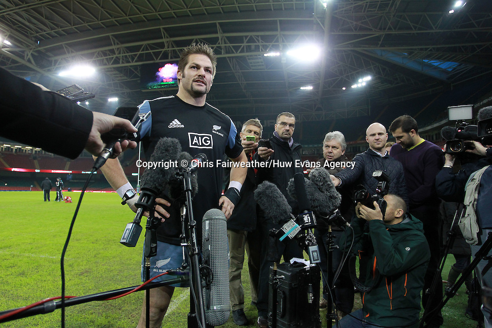 21.11.14 - New Zealand All Blacks Captains Run - Richie McCaw talks to the press.<br /> <br /> &copy; Huw Evans Picture Agency
