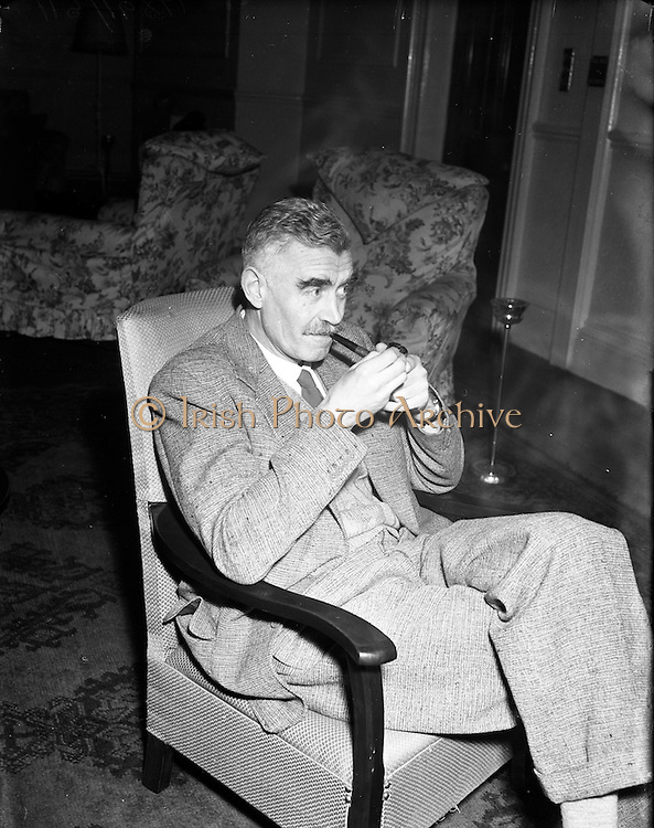 21/01/1953<br /> 01/21/1953<br /> 21 January 1953<br /> Maurice Gorham, Radio Eireann, Director of Broadcasting at a Wireless Dealers Luncheon at Jury's Hotel, Dublin.
