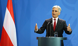 15.09.2015, Bundeskanzleramt, Berlin, GER, Flüchtlingskrise in der EU, Gipfeltreffen Deutschland und Oesterreich, im Bild Oesterreichs Bundeskanzler Werner Faymann (SPOe) // attend a joint press conference following talks about the refugee crisis at the Bundeskanzleramt in Berlin, Germany on 2015/09/15. EXPA Pictures © 2015, PhotoCredit: EXPA/ Eibner-Pressefoto/ Hundt<br /> <br /> *****ATTENTION - OUT of GER*****