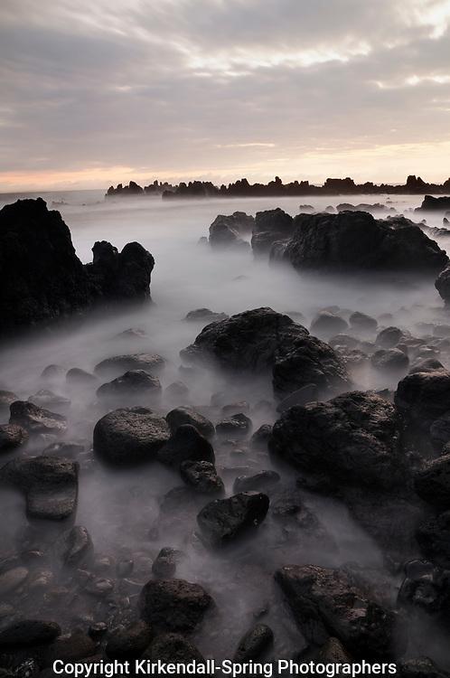 HI00379-00...HAWAI'I - Rocky coastline at Laupahoehoe Point Park along the Hamakua Coast on the island of Hawai'i.