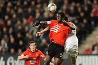 FOOTBALL - FRENCH CHAMPIONSHIP 2009/2010 - L1 - STADE RENNAIS v GIRONDINS BORDEAUX - 6/02/2010 - PHOTO PASCAL ALLEE / DPPI - KADER MANGANE (REN) / MAROUANE CHAMAKH (BOR)