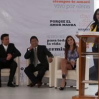 METEPEC, Mexico.- La presidenta municipal Carolina Monroy del Mazo y los actores Diana Soto y Fernando Colunga durante la inauguracion del taller de arte dramatico Juan Osorio. Agencia MVT / Mario Vazquez de la Torre.