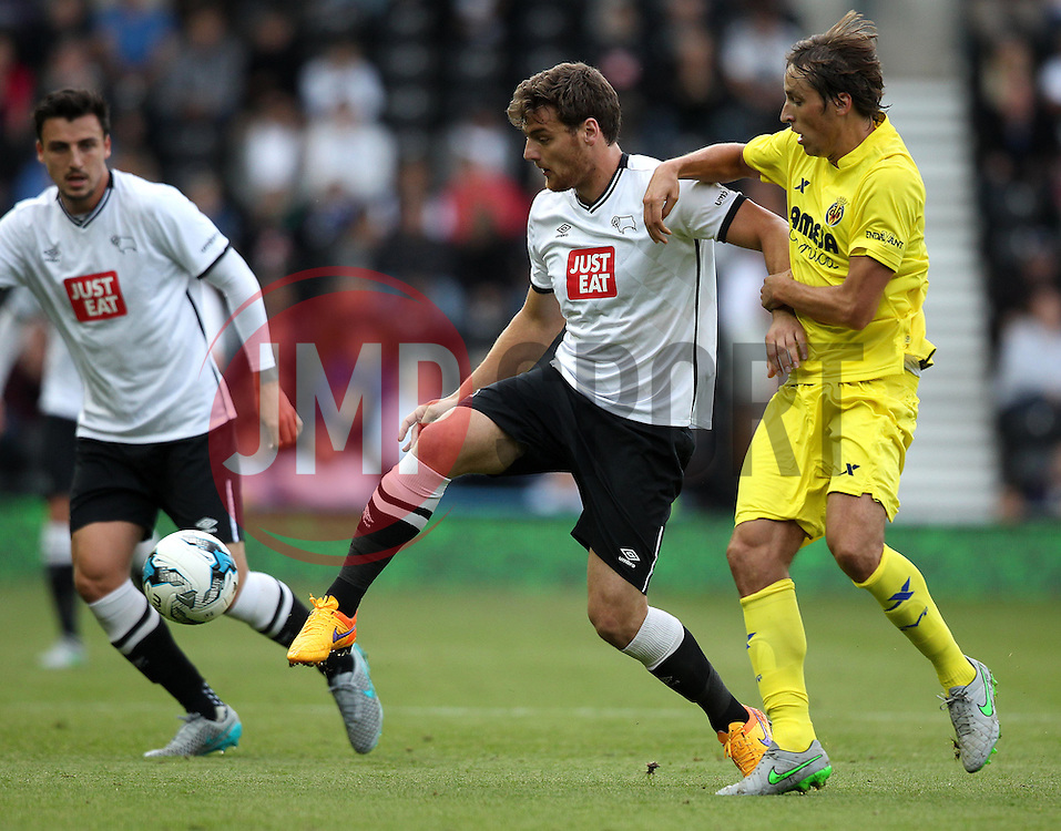 Derby County's Chris Martin holds up the ball - Mandatory by-line: Robbie Stephenson/JMP - 07966386802 - 29/07/2015 - SPORT - FOOTBALL - Derby,England - iPro Stadium - Derby County v Villarreal CF - Pre-Season Friendly