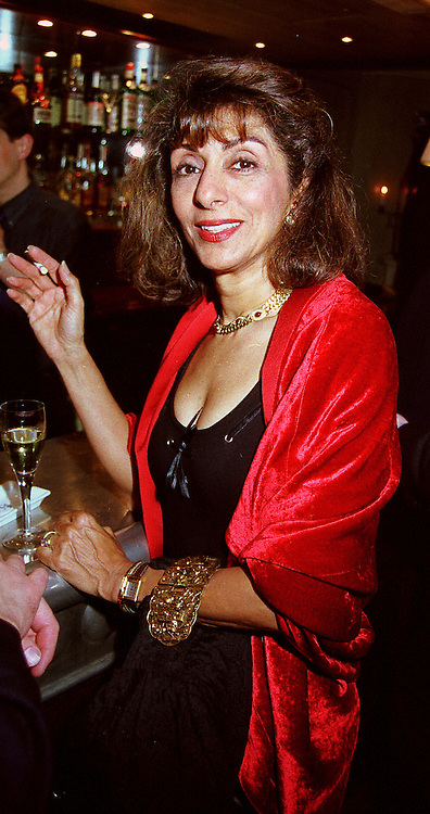 MRS ANDREW KERMAN estranged wife of the leading ballet patron, at a party in London on 11th October 2000.OHU 62