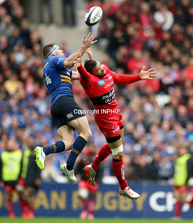 European Rugby Champions Cup Semi-Final, Stade V&eacute;lodrome, Marseille, France 19/4/2015<br /> RC Toulon vs Leinster<br /> Leinster's Fergus McFadden and Bryan Habana of Toulon<br /> Mandatory Credit &copy;INPHO/James Crombie