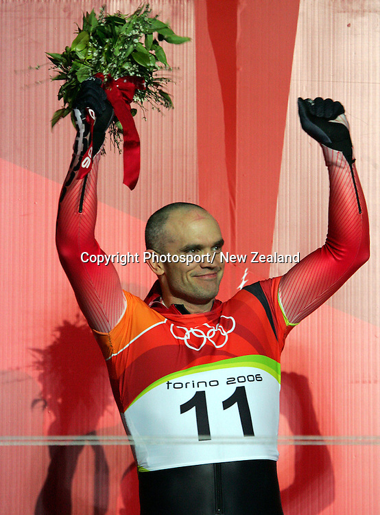 Duff Gibson from Canada celebrates his Gold in the mens skeleton at the 2006 Winter Olympic Games held in Torino, Italy.   17/02/06  PHOTO: PETER MEECHAM/PHOTOSPORT.