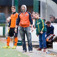 EINDHOVEN - hockey - Bloemendaal-coach Russell Garcia tijdens de hoofdklasse hockeywedstrijd tussen de mannen van Oranje-Zwart en Bloemendaal (3-3). COPYRIGHT KOEN SUYK