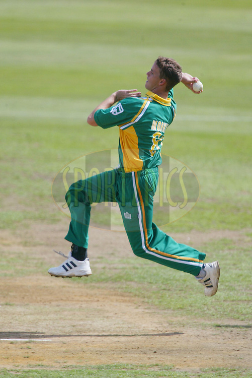 11th February 2004. Cricket, South African tour of New Zealand, Westpac Park, Hamilton, New Zealand..South Africa vs Northern Knights..Albie Morkel (SA) bowling.South Africa won by 6 wickets..Please credit: Sandra Teddy/ Photosport