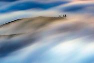 Clouds passes through the  mountan