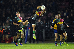 Michele Campagnaro of Harlequins claims the ball in the air - Mandatory byline: Patrick Khachfe/JMP - 07966 386802 - 23/11/2019 - RUGBY UNION - The Twickenham Stoop - London, England - Harlequins v Bath Rugby - Heineken Champions Cup