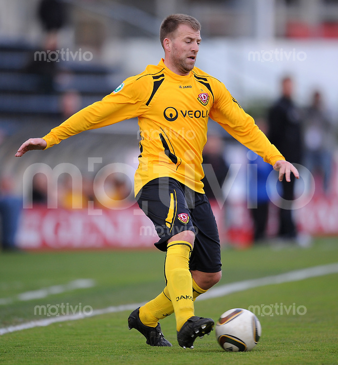 Fussball 3. Bundesliga :  Saison   2009/2010  34. Spieltag   SpVgg Unterhaching - Dynamo Dresden   13.04.2010 Christian Mikolajczak (Dresden)