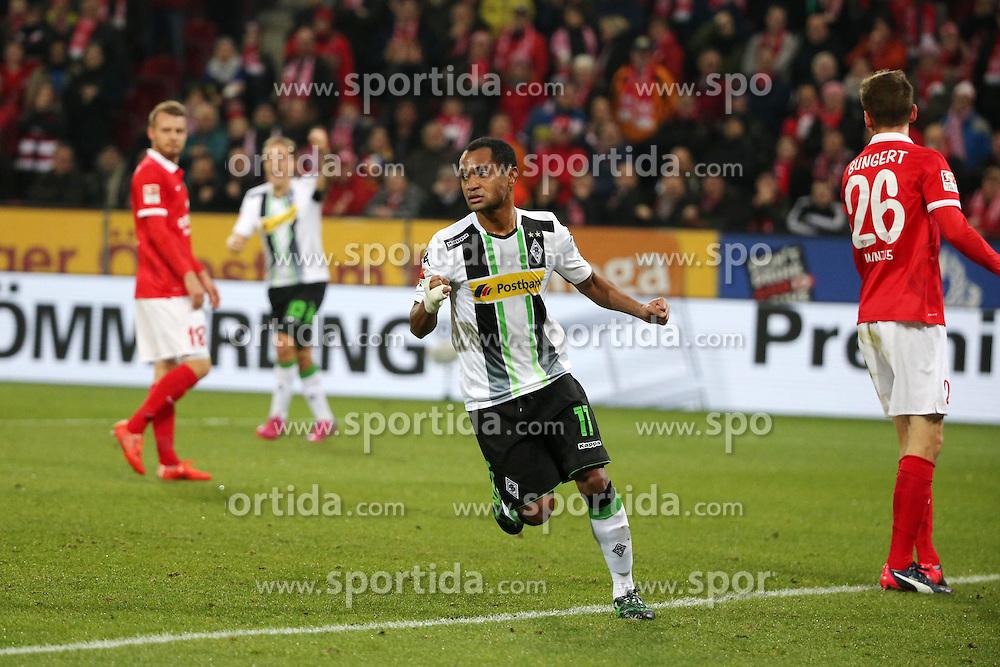 07.03.2015, Coface Arena, Mainz, GER, 1. FBL, 1. FSV Mainz 05 vs Borussia Moenchengladbach, 24. Runde, im Bild v.l.: Gladbacher Torschuetze: Raffael // during the German Bundesliga 24th round match between 1. FSV Mainz 05 and Borussia Moenchengladbach at the Coface Arena in Mainz, Germany on 2015/03/07. EXPA Pictures &copy; 2015, PhotoCredit: EXPA/ Eibner-Pressefoto/ Neurohr<br /> <br /> *****ATTENTION - OUT of GER*****