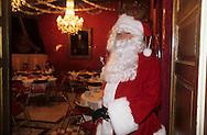 Christmas in the trone room of the palace of Monaco;    Monaco    Noel des enfants du personnel du palais;   P0005220  L1780  R150/165