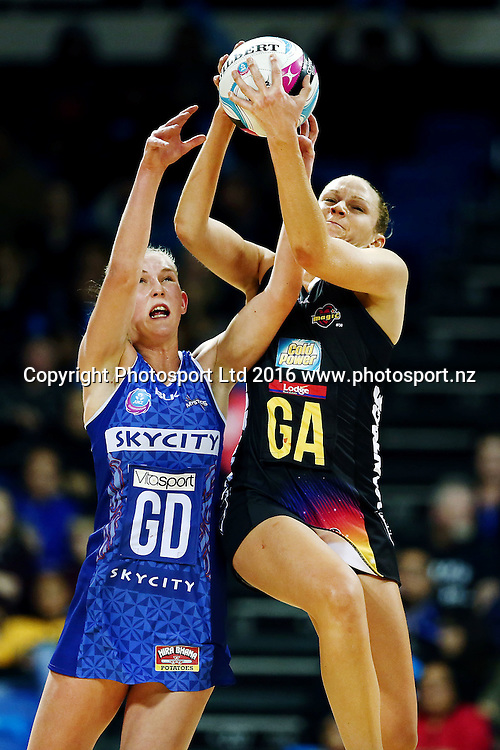 Joanne Harten of the Magic competes against Michaela Sokolich-Beatson of the Mystics. 2016 ANZ Championship, Northern Mystics v Waikato BOP Magic, The Trusts Arena, Auckland, New Zealand. 6 June 2016. Photo: Anthony Au-Yeung / www.photosport.nz