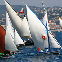 VOILES LATINES A SAINT-TROPEZ-LATIN SAILS IN SAINT-TROPEZ