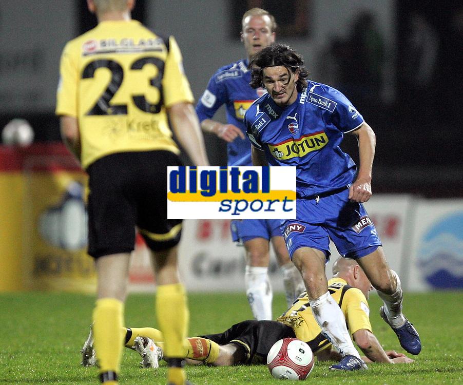 Fotball<br /> Tippeliga 2006<br /> 15.10.2006<br /> Sandefjord v Lillestr&oslash;m 1-1<br /> Foto: Morten Olsen, Digitalsport<br /> <br /> Adriano Munoz - Sandefjord