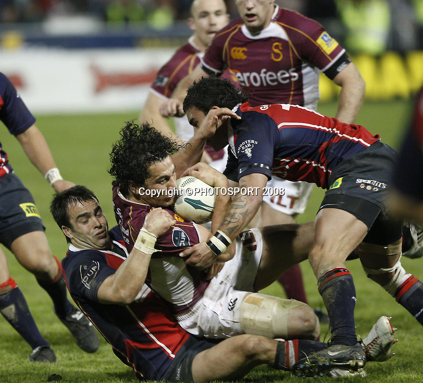 Joel Iggo ( left )from Tasman, brings down Jason Kawau. Tasman v Southland. Air New Zealand Cup rugby match. Lansdowne Park, Blenheim. Friday 19 September 2008. Photo: PHOTOSPORT