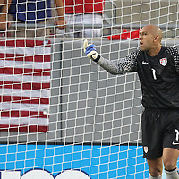 USA goalkeeper Tim Howard (1) gives instructions during a CONCACAF Gold Cup soccer match between the United States and Panama on Saturday, June 11, 2011, at Raymond James Stadium in Tampa, Fla. (AP Photo/Alex Menendez)