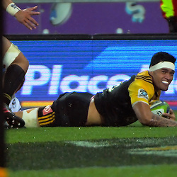 Vaea Fifita scores during the Super Rugby quarterfinal match between the Hurricanes and Sharks at Westpac Stadium, Wellington, New Zealand on Saturday, 23 July 2016. Photo: Dave Lintott / lintottphoto.co.nz