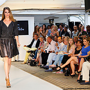 NLD/Amsterdam/20100630 - Silk Fashion & Business Summer Event, modellen