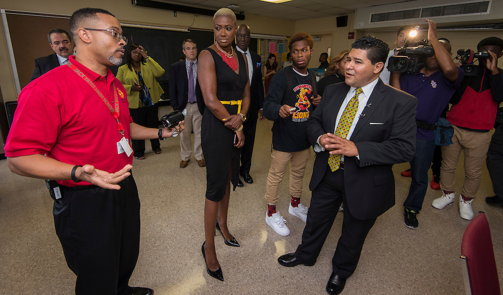 Houston ISD Superintendent Richard Carranza visits Yates High School on the first day of school, August 22, 2016.