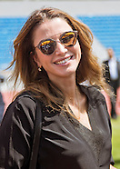 Queen Rania Meets Women's Football Team