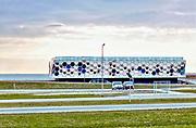 Nederland, the Netherlands, Kornwerderzand, 20-3-2018De Afsluitdijk zal de komende jaren aanpassingen krijgen om de verwachte zeespiegelstijging en extreem weer het hoofd te kunnen bieden . Bij Kornwerderzand wordt het Waddencentrum afgebouwd .  Waddencenter, het beleefcentrum de nieuwe afsluitdijk, wadden center . Dit centrum biedt een totaalbeleving over Unesco Werelderfgoed Waddenzee, de Vismigratierivier, het IJsselmeergebied en de Afsluitdijk zelf .Foto: Flip Franssen