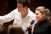 Benefizkonzert für action medeor mit anke engelke und den Düsseldorfer Symphonikern