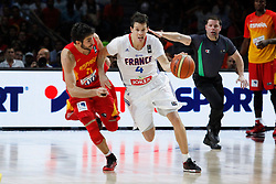 10.09.2014, Palacio de los deportes, Madrid, ESP, FIBA WM, Frankreich vs Spanien, Viertelfinale, im Bild Spain´s Ricky Rubio (L) and France´s Heurtel // during FIBA Basketball World Cup Spain 2014 Quarter-Final match between France and Spain at the Palacio de los deportes in Madrid, Spain on 2014/09/10. EXPA Pictures © 2014, PhotoCredit: EXPA/ Alterphotos/ Victor Blanco<br /> <br /> *****ATTENTION - OUT of ESP, SUI*****
