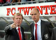 13-09-2008 VOETBAL:FC TWENTE:NEC NIJMEGEN:ENSCHEDE <br /> Steve McClaren in gesprek met assistent Erik Ten Hag<br /> Foto: Geert van Erven